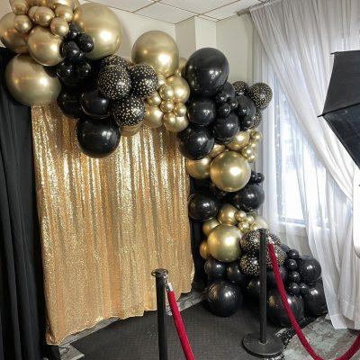 Charming Garland's Balloons